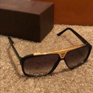Louis Vuitton sunglasses Evidence